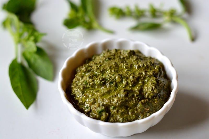 Homemade Pesto Sauce | Fresh Basil Pesto