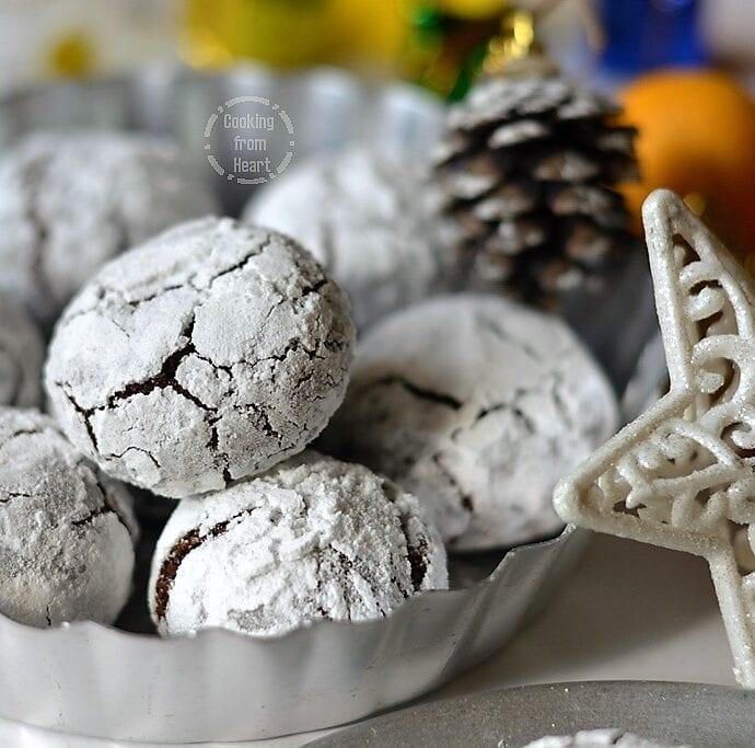 Eggless Chocolate Crinkle Cookies | Vegan Chocolate Crinkle Cookies