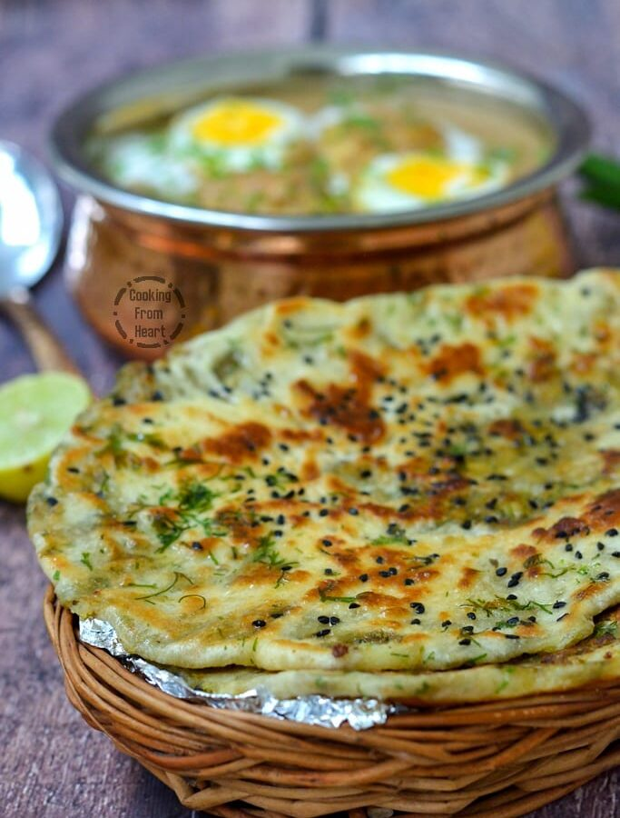 Stuffed Aloo Kulcha | Easy Aloo Kulcha Recipe